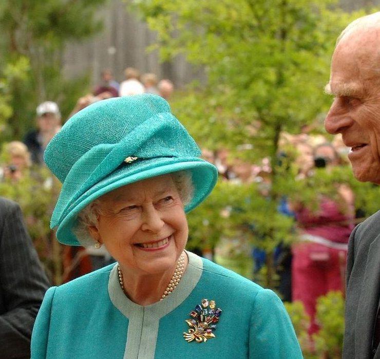 К 100-летию принца Филиппа в саду Елизаветы II высадили новый сорт роз