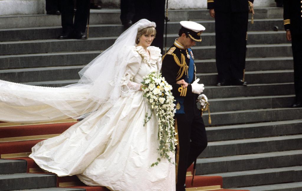 Свадебное платье принцессы Дианы выставили в Кенсингтонском дворце