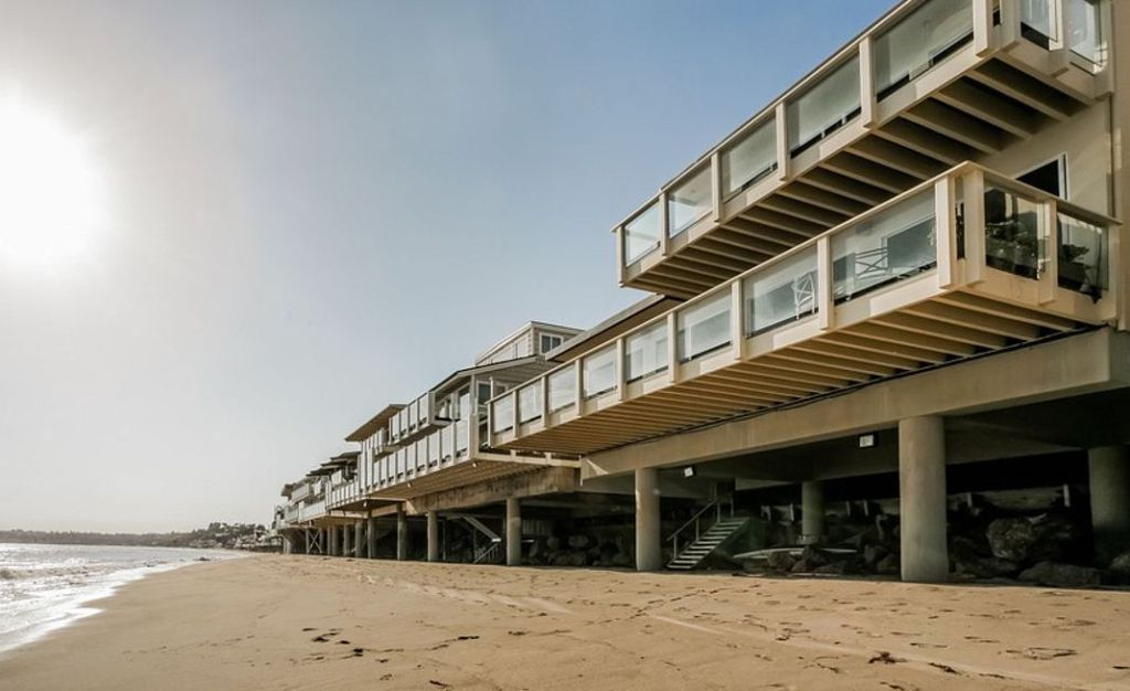 В гостях у Сандри Буллок: інтер'єр пляжного будинку актриси в Малібу