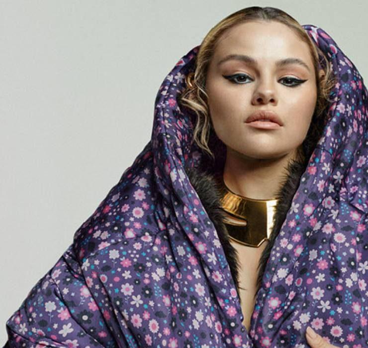 В Chanel, Balenciaga и Saint Laurent: рассматриваем новую модную съемку Селены Гомес