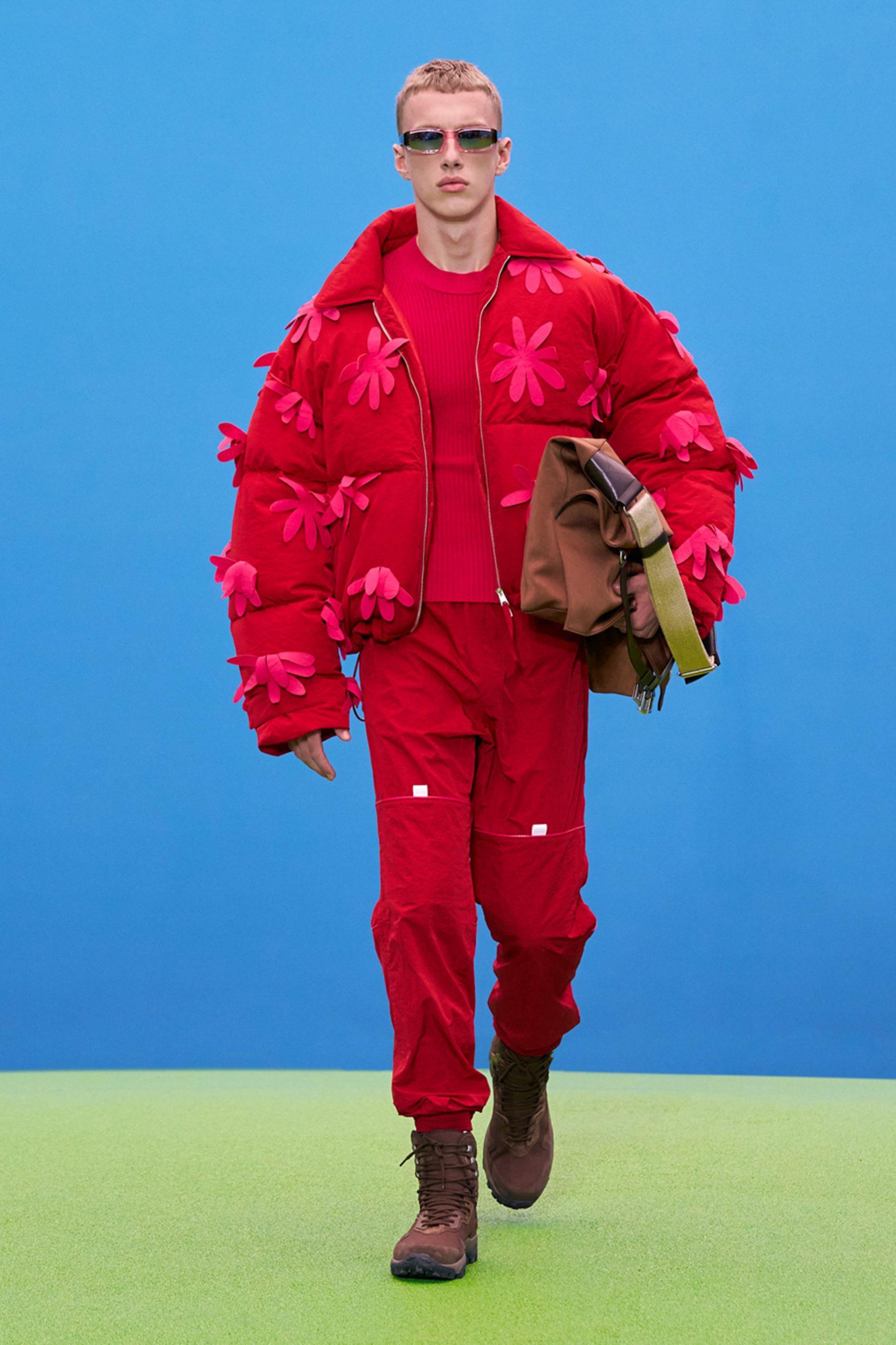 Розовый бум и возвращение Кендалл Дженнер: как прошло шоу Jacquemus