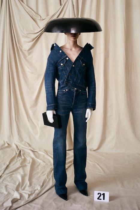 Balenciaga показали кутюрную коллекцию – первую за 53 года