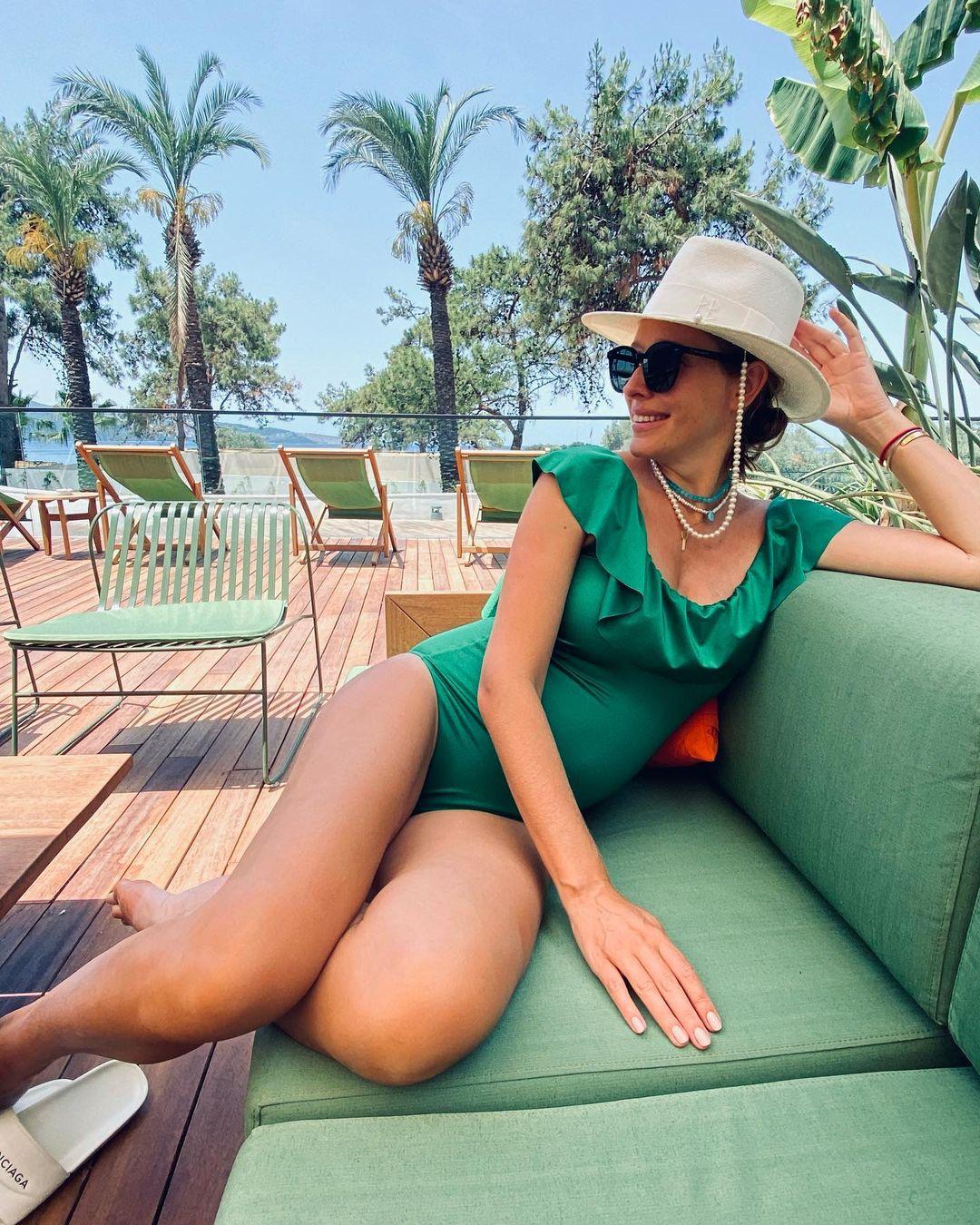 Must have літа: 5 модних купальників у гардеробі світських модниць