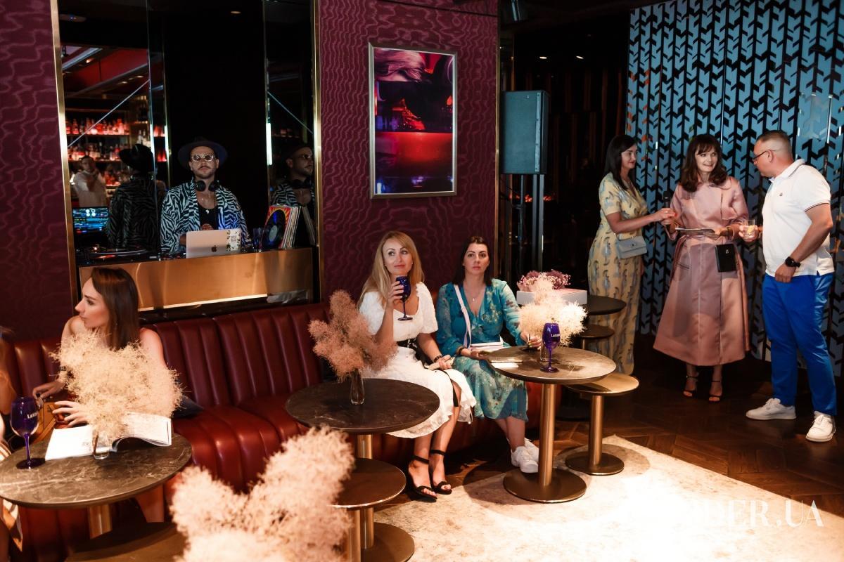 Светский коктейль: ELLE представили первый номер журнала в составе DOMIOGROUP