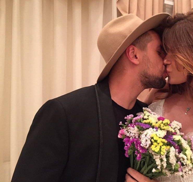 Рідкісний кадр: дружина Діми Монатіка показала весільні фото на честь річниці