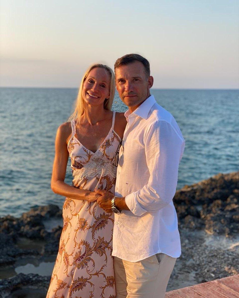 «Всегда буду рядом»: Андрей Шевченко поздравил жену с 17-летием брака