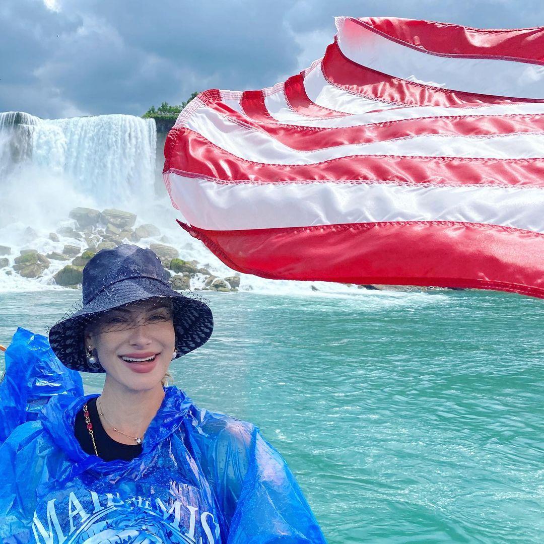 «Большая мечта сбылась»: Лана Кауфман на Ниагарском водопаде