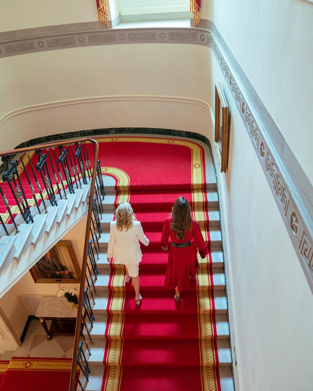 Как прошла встреча Джилл Байден и королевы Рании в Белом доме