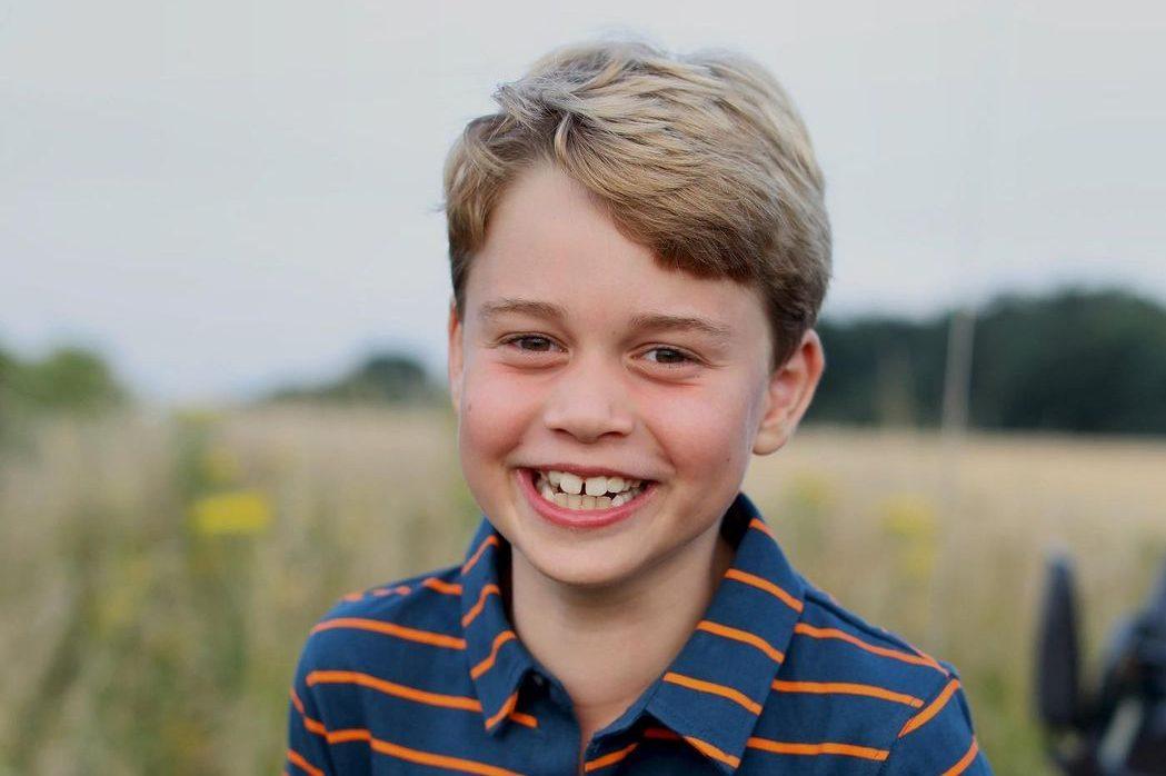 С днём рождения! Опубликовали новый портрет именинника принца Джорджа