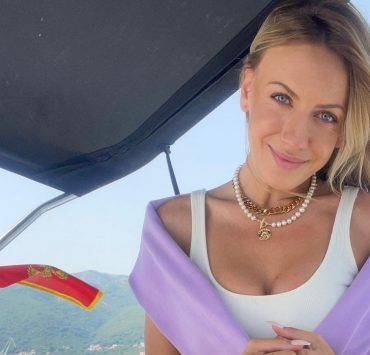 Снимки в бикини и прогулки на яхте: Леся Никитюк отдыхает в Черногории