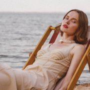 Атмосфера Греции и летний вайб в новом клипе Monatik «Зажигать/JoMo»