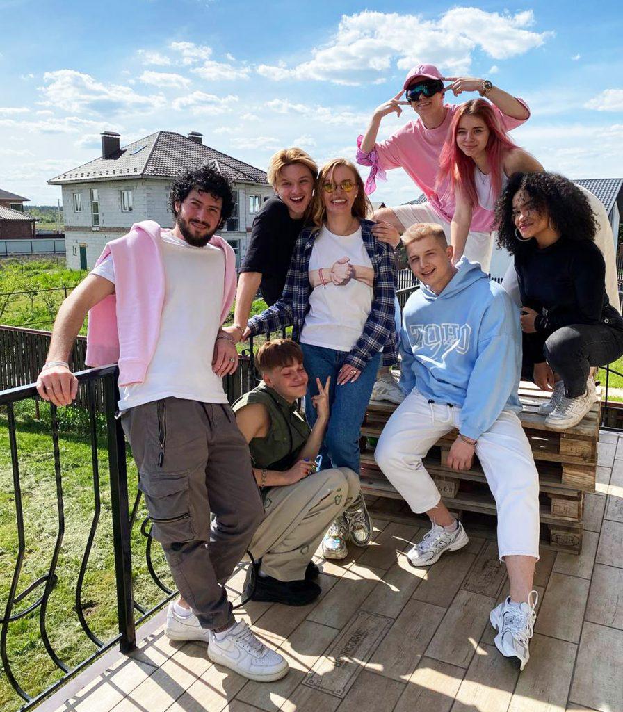 Будни зумеров: что остается за кадром в аккаунтах самых успешных TikTok-блогеров Украины