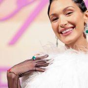 Мода на фрилансе: Белла Хадид снялась для итальянского Vogue по FaceTime