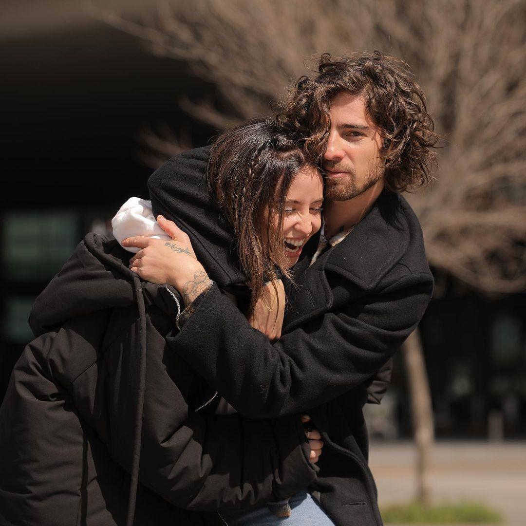 «Нам сегодня 10 лет»: Дантес показал историю любви с Надей Дорофеевой в новом клипе