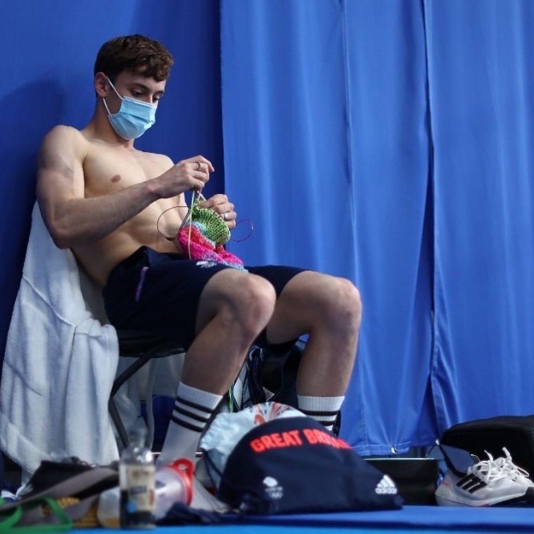 Звезда инстаграмма: Том Дейли – олимпийский чемпион, который вяжет свитера