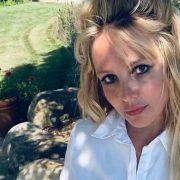 Отец Бритни Спирс требует 2 миллиона долларов за отказ от опекунства