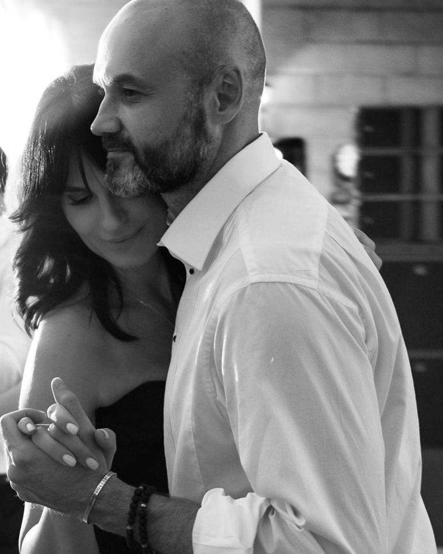«Моя любовь»: Маша Ефросинина нежно поздравила мужа с 18-й годощиной свадьбы