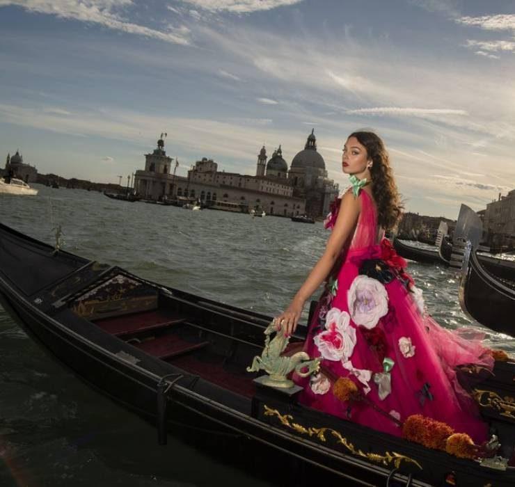 Ода красоте Венеции: 15 лучших образов из коллекции Dolce&Gabbana Alta Moda