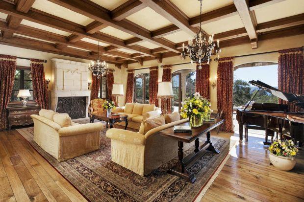 Величезний сад і зіркові сусіди: особняк іменинниці Меган Маркл у Санта-Барбарі