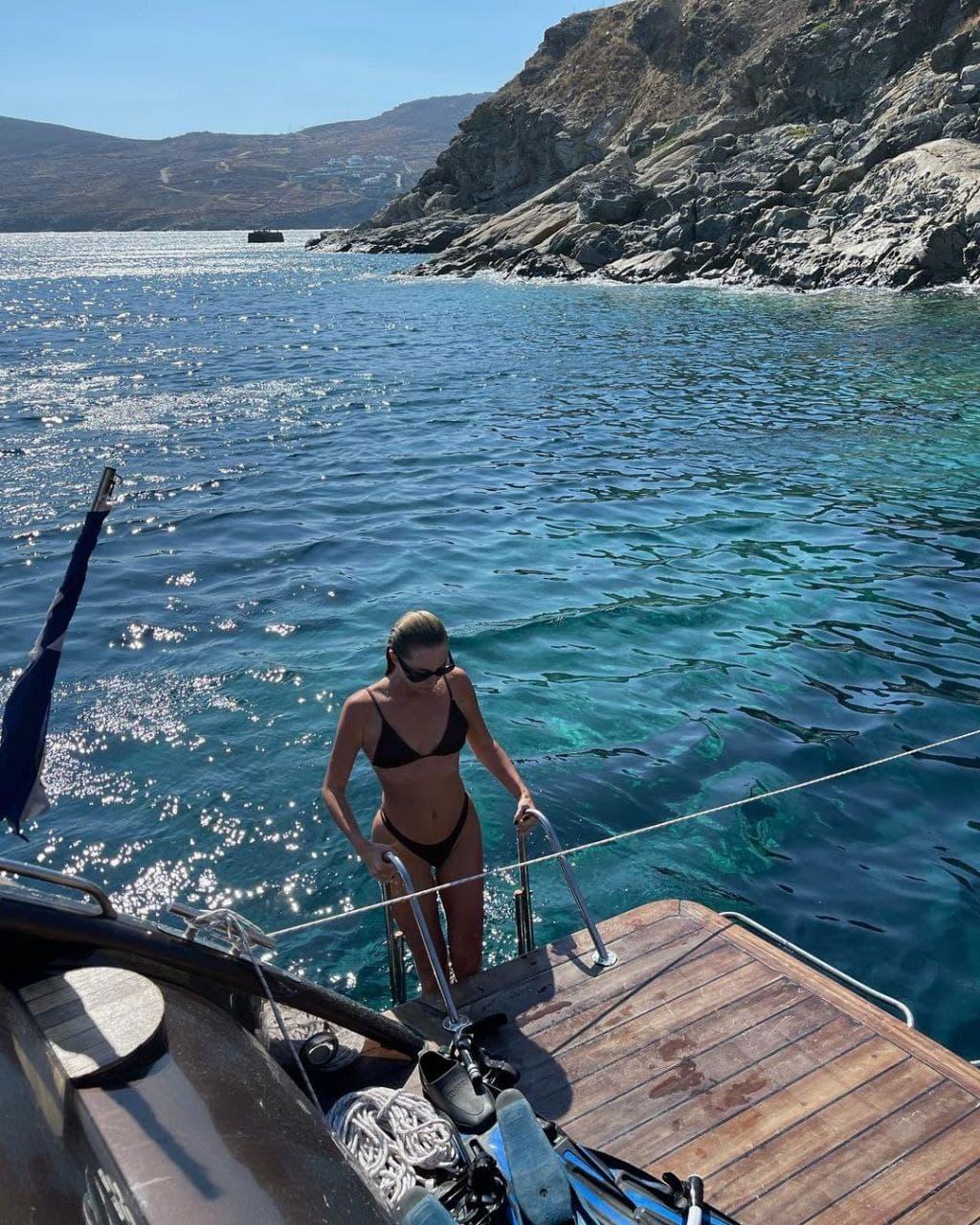 «Нирвана полная»: как Алла Барановская отдыхает на Миконосе