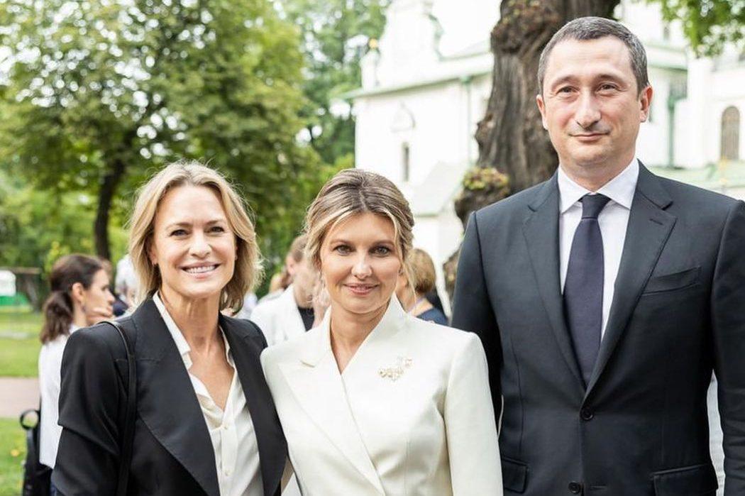 Робин Райт приехала в Киев: встреча с четой Зеленских, Джамалой и не только