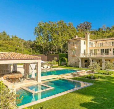 Огромный сад и звёздные соседи: особняк именинницы Меган Маркл в Санта-Барбаре