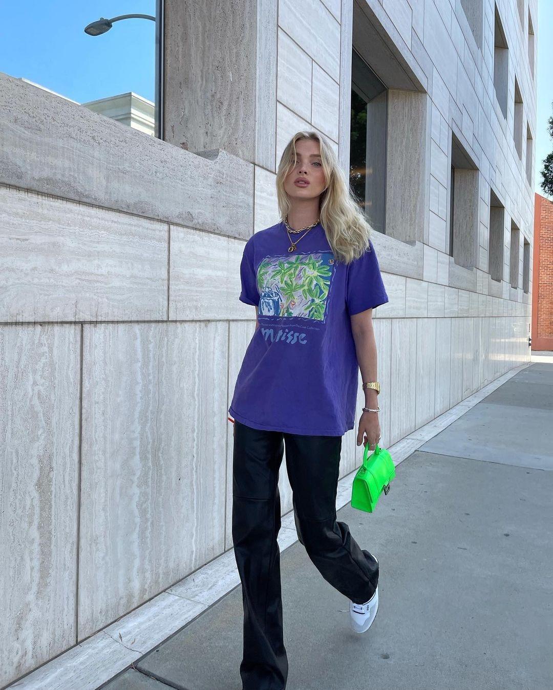 Эльза Хоск показывает, с чем сочетать кожаные брюки в повседневной жизни