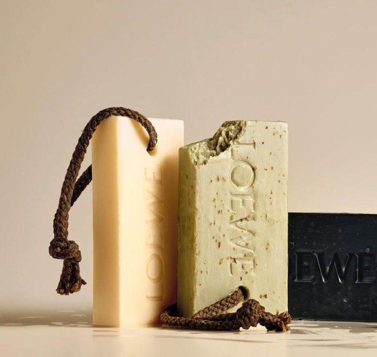 Бренд Loewe выпустил мыло с ароматом марихуаны