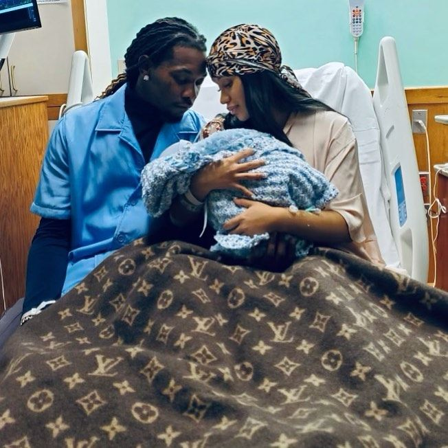 It's a boy: Карди Би снова стала мамой