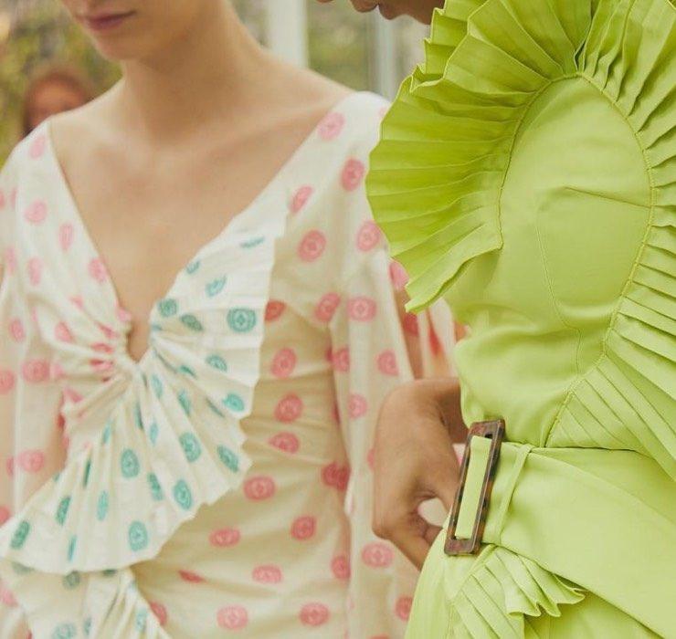 Мэддисон Браун появилась в платье украинского бренда Nadya Dzyak в одной из серий «Династии»