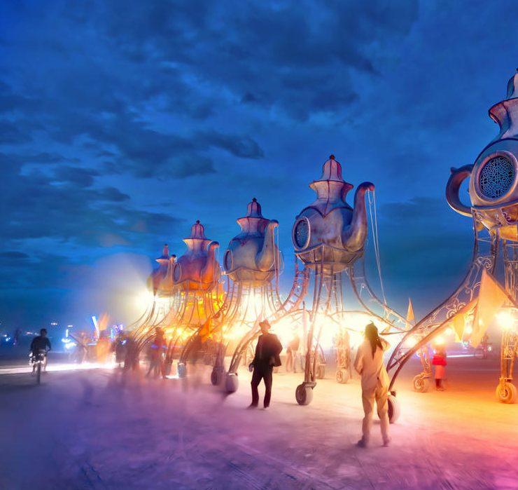 Burning Man 2021 в ленте Пэрис Хилтон, Дарьи Шаповаловой и других героев
