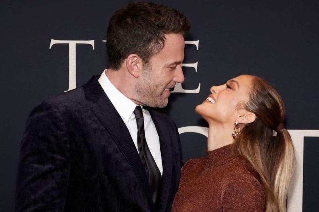 Дженнифер Лопес и Бен Аффлек проявили свои чувства на премьере «Последней дуэли» в Нью-Йорке