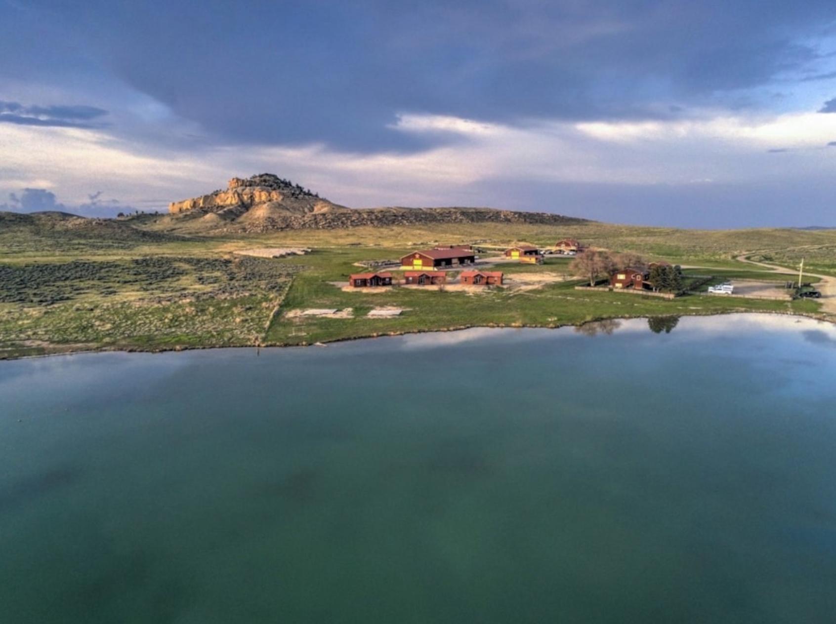 Канье Уэст продает свое ранчо в Вайоминге за $11 млн